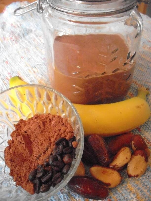 Mocha Morning Smoothie with ingredients